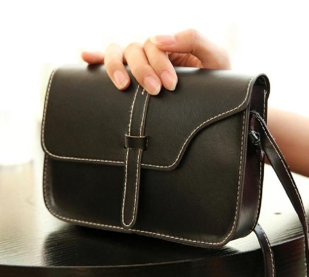 Siyah deri çanta modeli