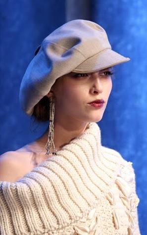 Stiletto tarzı bayan şapka modelleri