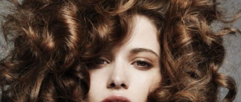Işıltılı Saç Renkleri ve Modelleri Son Yılların Gözdesi