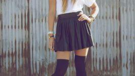 Diz Üstü Çorap Kombinleri İle Popüler Kız Olun