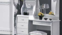 Beyaz Renk Makyaj Masası Modellerinden 6 Farklı Örnek