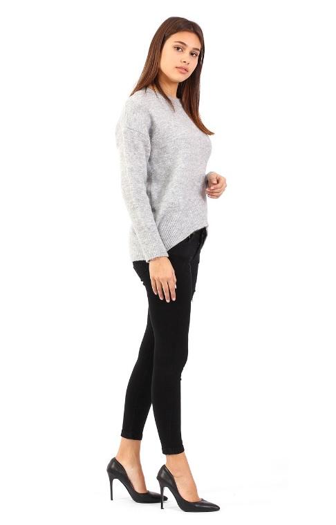 Siyah düşük bel kot pantolon modeli